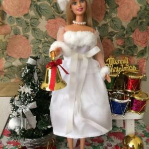 ホワイトクリスマスなパーティードレスを100均で