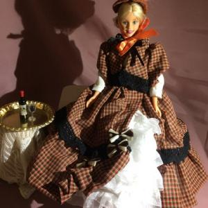 バービーのヴィクトリア調ドレス