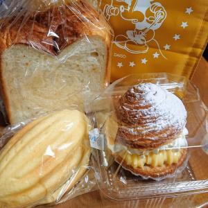 お散歩がてらにご近所のパン屋さんへ(^^♪ルパンベーカーズ 新千本店