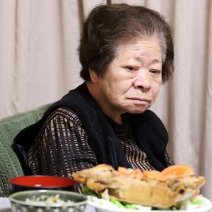 おばあのカラフル野菜の新作炊き込みごはん!2色のパプリカの次は、緑のほうれん草!?