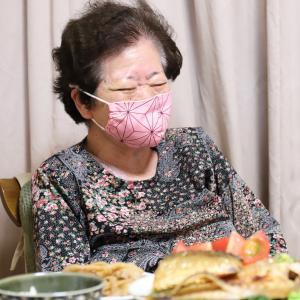 祝87歳!「めでたいことない!」とひねくれたおばあも喜ぶ、孫からプレゼントの誕生日ケーキ