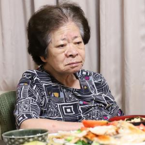 ワクチン2回打ったのに、おばあがまさか…体調不良に見えた理由は、豪華すぎる手料理にあり!?
