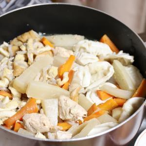 食欲の秋を告げる、おばあの新メニュー!熱々餃子鍋