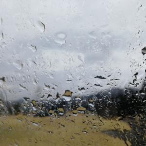 雨降りラウンド・・・のち、ボール買う。