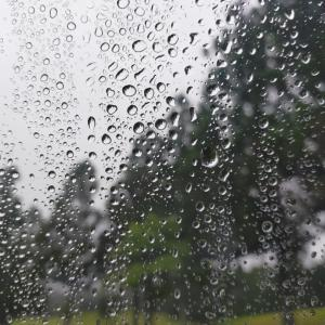 ホームでまた雨・・・