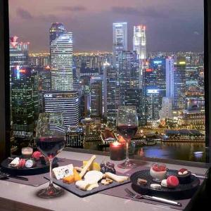 """シンガポールのマリーナベイサンズ55階にある""""Club 55""""があまり知られてない穴場バー過ぎて超オススメ!メニューや実際に体験した感想をリポート!"""