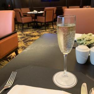 リッツカールトン クアラルンプールのクラブラウンジ!アフターヌーンティー、朝食、イブニングカクテルなどの感想