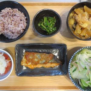 生鮭の味噌漬け焼きの献立(2019年10月15日の朝ごはん)