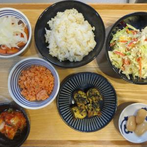 鮭フレーク&ひじき入り卵焼きの献立(2019年10月18日の朝ごはん)