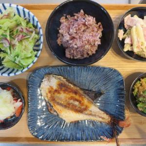 焼魚(赤魚の粕漬)の献立(2019年11月10日の朝ごはん)