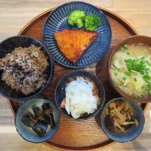 焼魚(カジキの味噌漬け)の献立(2021年9月20日の朝ごはん)