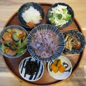 野菜炒め(魚肉ソーセージ入り)の献立(2021年9月26日の朝ごはん)