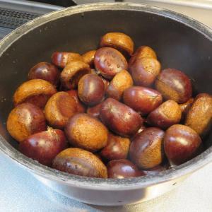 圧力鍋で茹で栗、剥きやすい!