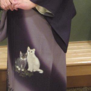人間国宝 蒋雪英の猫柄訪問着に誉田屋源兵衛の袋帯
