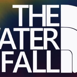 滝ロゴ。どこかで見たことあるよね〜THE WATER FALL〜