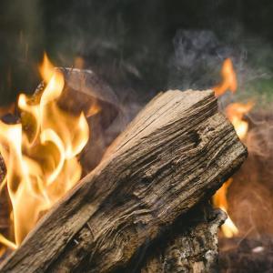 楽ちんなキャンプの火起こしはどれ?
