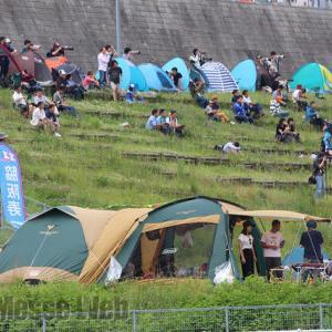レース観戦とキャンプがブームの予感!