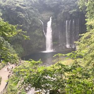 白糸の滝。