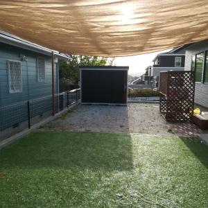 【エクステリア】庭のサンシェードの形状を見直し!スクエア型にして日陰の範囲を広げました