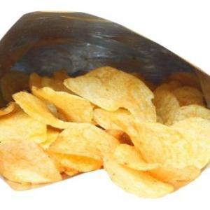 なぜポテトチップスなどのスナック菓子の袋に空気がたっぷり入っているの?