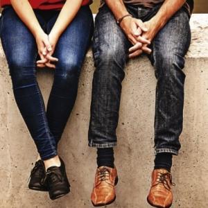 話題 注目情報 男子大学生の2人に1人「付き合った経験なし」 「告白経験あり」も半数以下で女子を下回る