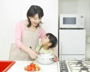 日本人女性は結婚後主婦になる人が多いのに、なぜ大学まで行く人が多いのか=中国メディア<br />