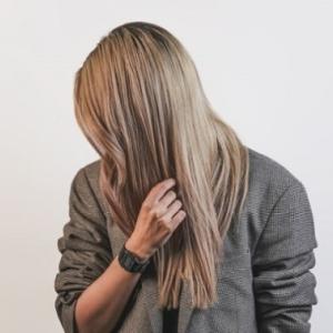 髪の伸びが早い人と髪の伸びが遅い人の違いって?<br />