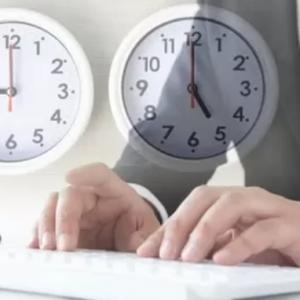 1日8時間労働は長い?「日本人は働きすぎ」「そんなに集中して仕事をしている時間なんて少ない」<br />