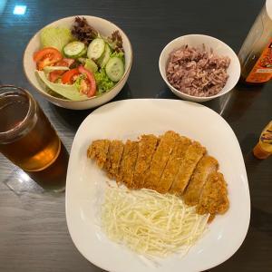 金曜の夕食はとんかつ、今週は体重増