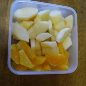 りんごとオレンジのカット保存