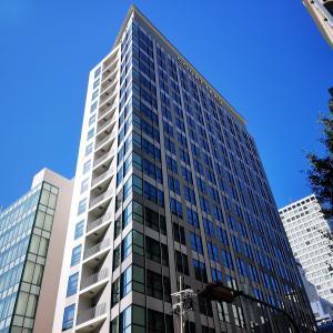 【宿泊記】コートヤード・バイ・マリオット大阪本町の客室や設備、特典を解説します。駅から近くアクセス抜群の最新ホテル。なんばや心斎橋も徒歩圏で便利。
