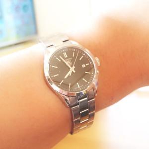 腕時計が自由。
