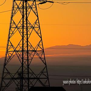 朝陽浴びる薬師岳