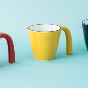 お年寄りにも子供にも安心、ayiuのマグカップ