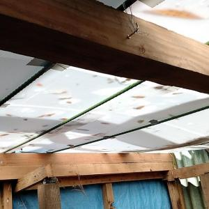 へっぽこ屋根の改修をしてきました
