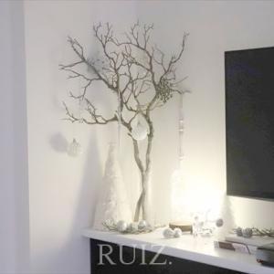 北欧もモダンもフレンチスタイルにも。幸せを呼ぶ木、飾りました。