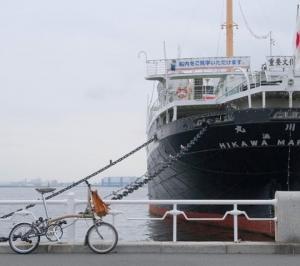 オシャレな横浜の街に映えるBROMPTON!