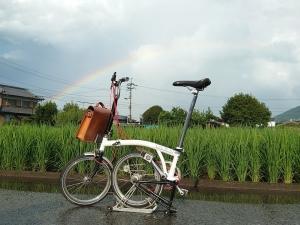 雨上がりの虹とツアー終わりのブロンプトン!