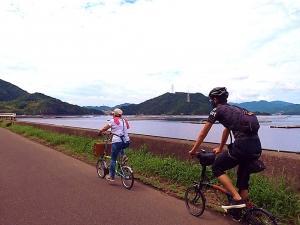 日本誕生の島を眺めながら、BROMPTONとポタリング!