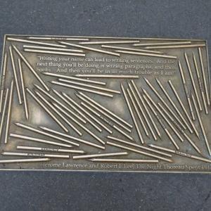 アメリカ市民の反抗を描いた戯曲がプラークの中にあった。