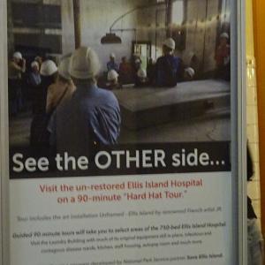 """エリス島の移民博物館の""""Hard Head Tour""""でJRの作品が鑑賞できる。"""