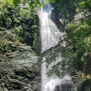 箕面の滝でミストシャワーと森林浴@大阪・箕面