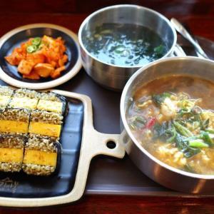 済州島にあるアワビキンパが美味しいお店【チェジュ キムマンボク(제주 김만복)】