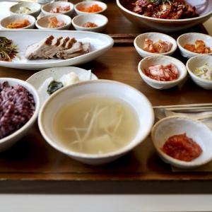 韓国ホンデで定食が楽しめるお店【舞月食卓(ムウォルシクタク)】