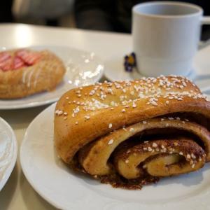 カール ファッツェル カフェで念願のシナモンロール【Karl Fazer Café】