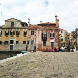 ヴェネツィア広場でジプシーに囲まれる…(ローマの記憶の断片②)