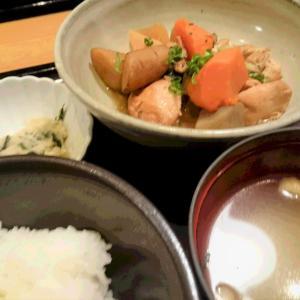 久々♪「博多もつ鍋やまや JR三ノ宮店」の〝がめ煮(筑前煮)定食〟