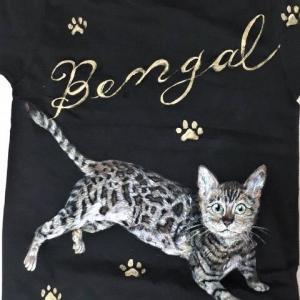 ベンガル猫のTシャツ