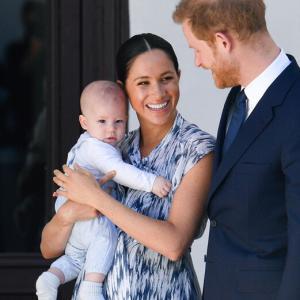 イギリス皇室「メーガン妃叩かれる」結婚はお金と地位のため
