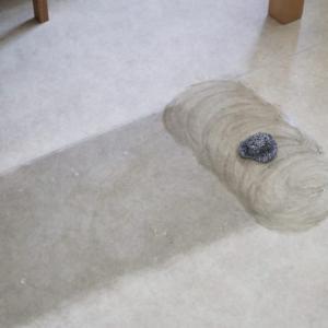 キッチン・脱衣所・トイレ、ビニールの床の汚れをキレイに掃除する方法!